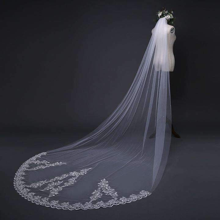 Beautiful Lace Appliques Tulle Long Wedding Veil V36