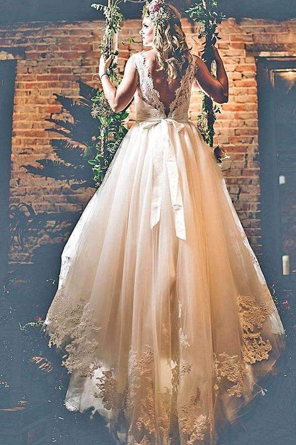 Charming Lace Appliques V Back Round Neck  Sleeveless Ball Gown Wedding Dress W388