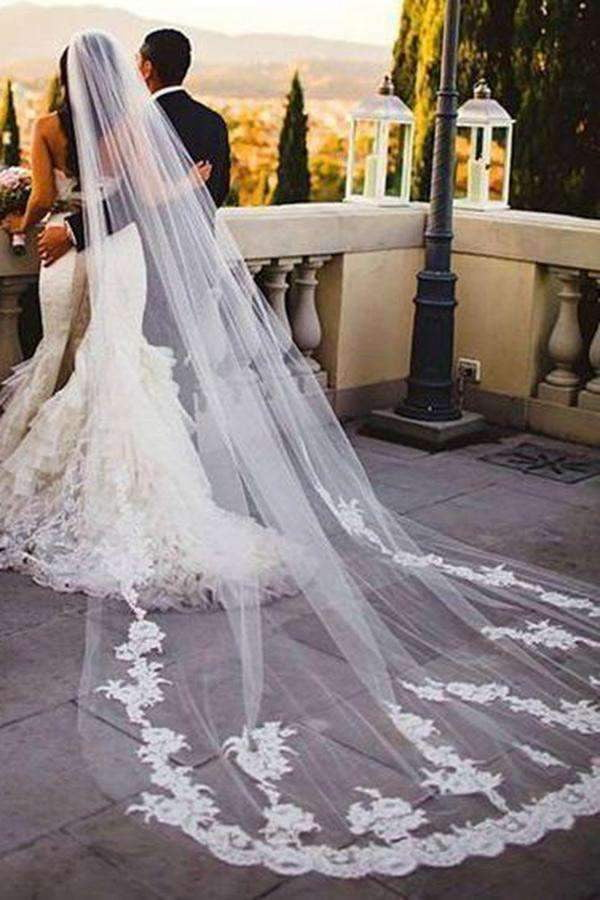 Charming Tulle Lace Appliques Long Wedding Veils V28
