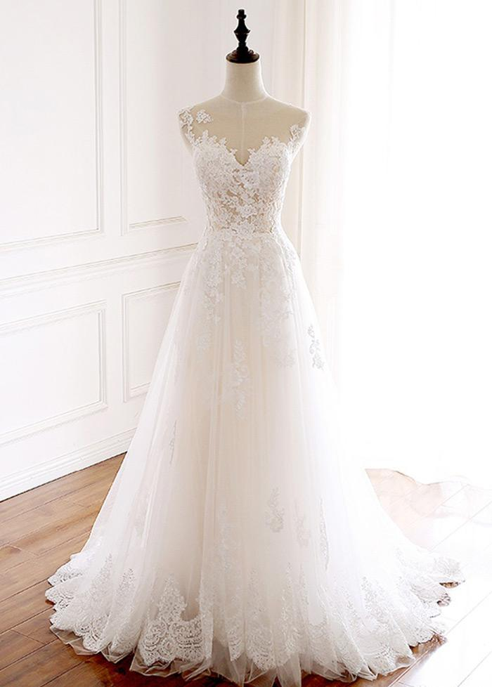 Elegant Tulle Jewel Neckline Full-length A-line Wedding Dresses With Lace Appliques