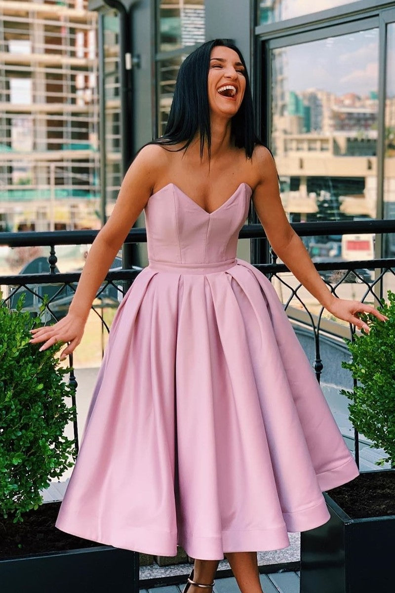 Plunging Sweetheart Satin Short Prom Dresses Blush A-line Anke length Homecoming Dresses