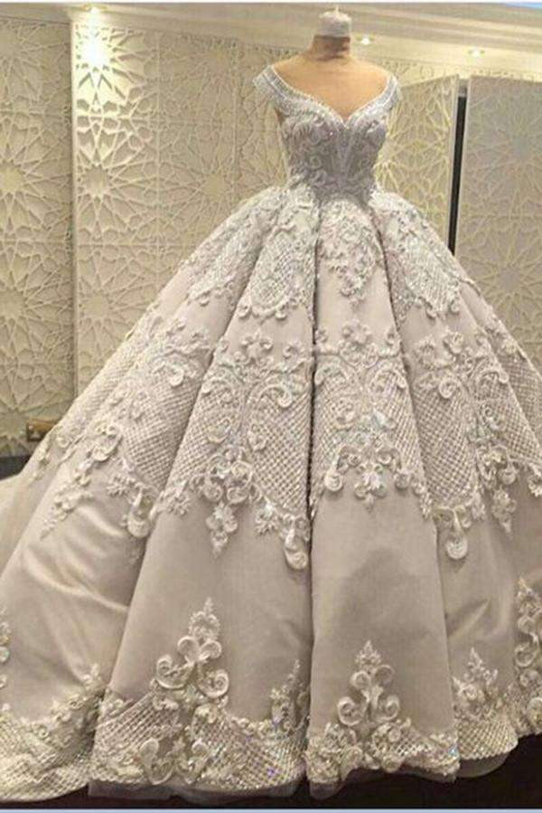 Gorgeous Sleeveless V Neck Lace Appliques Ball Gown Wedding Dress W441