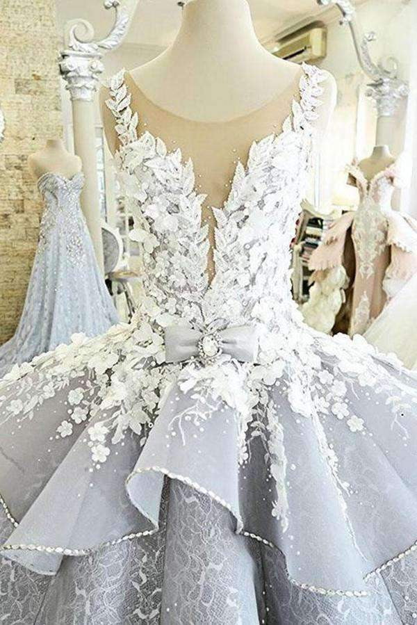 Luxury A Line Sleeveless Ball Gown Princess Wedding Dress with Flower Applique W480