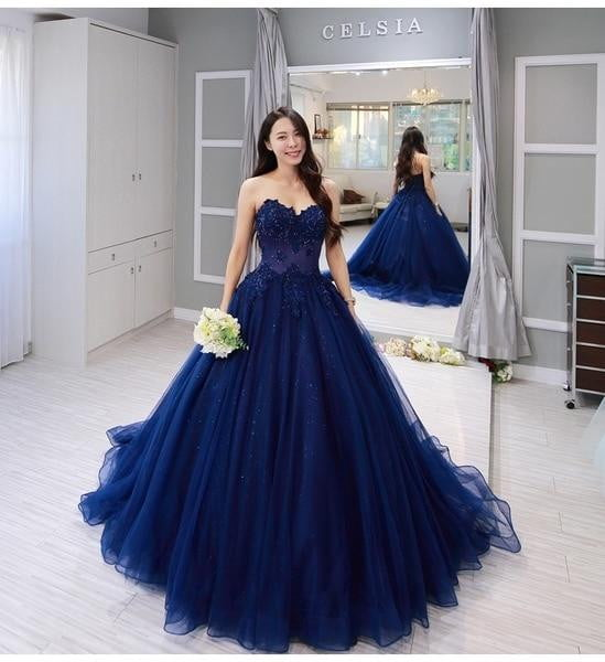 Vintage blue Lace Sleeveless Ball Gown 2019 Applique Beading Sweetheart Neckline Custom Made Evening Dress