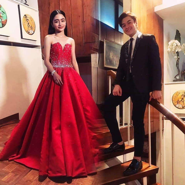 Red Satin Sleeveless Sweetheart Prom Dresses Ball Gowns with Beading P981