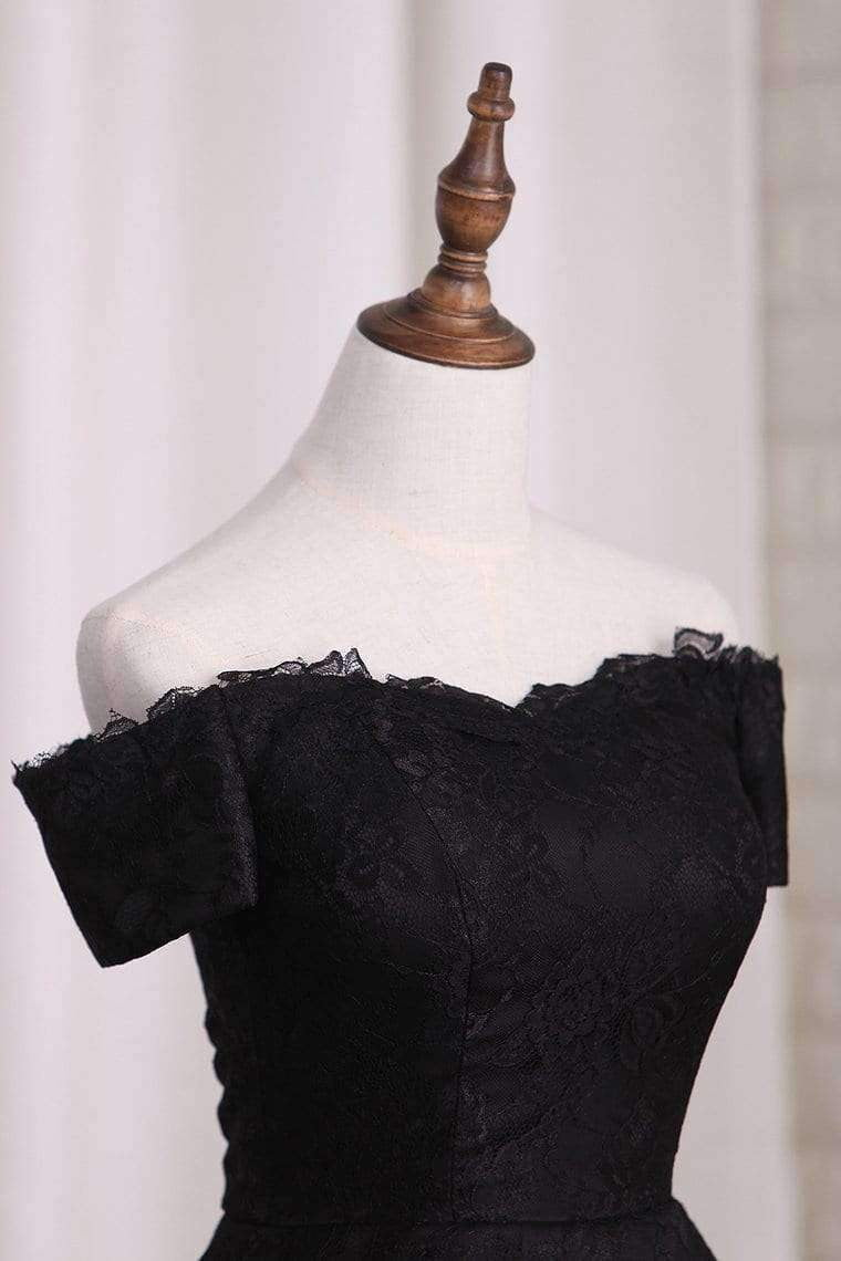 Sexy Black Lace A-line With Appliques Homecoming Dress M491