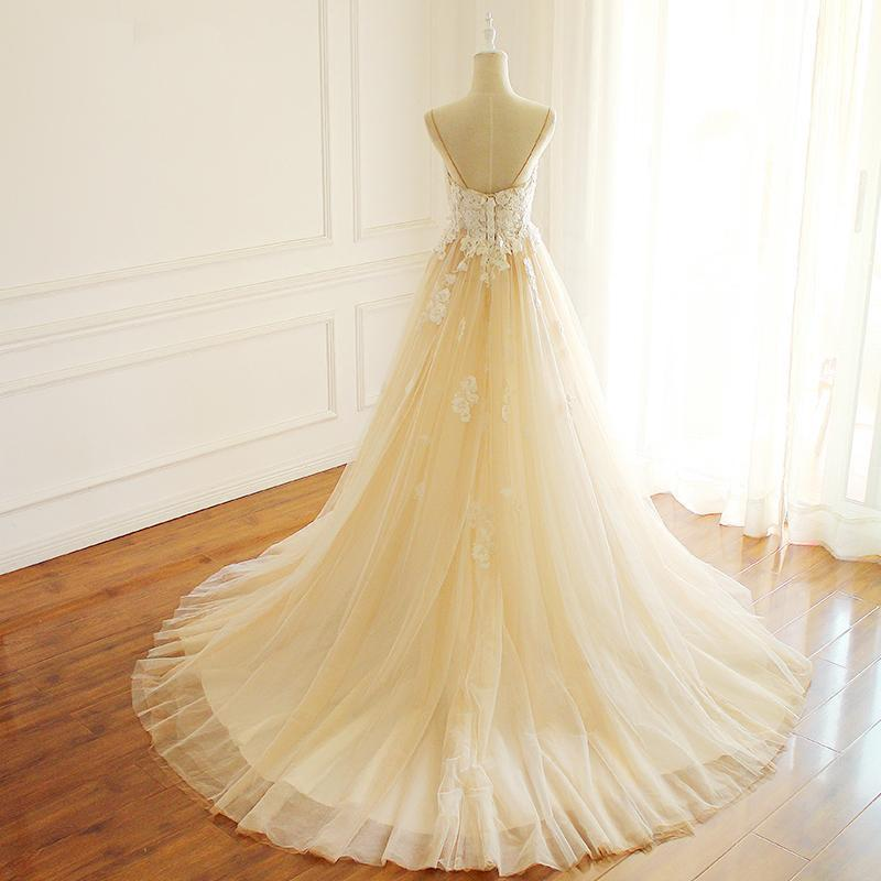 Champagne Spaghetti Strapls Tulle Wedding Dress Lace Applique Beading A-line Bridal Dress With Train