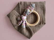 Load image into Gallery viewer, MUZZY TEETHING RING - TAUPE