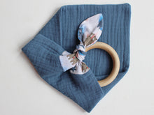 Load image into Gallery viewer, PERSONALISED TEETHING RING - BLUE