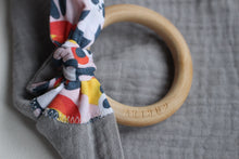 Load image into Gallery viewer, MUZZY TEETHING RING - GREY