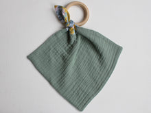Load image into Gallery viewer, MUZZY TEETHING RING - GREEN
