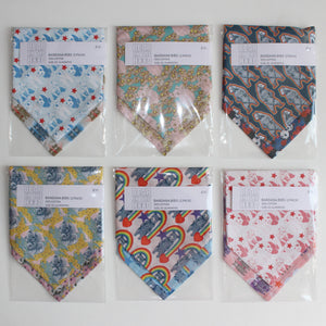 NECKERCHIEF BIB SET - Floral bears