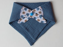 Load image into Gallery viewer, MUSLIN BIB - TWIN BEAR BLUE