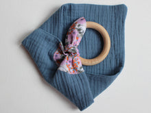 Load image into Gallery viewer, MUZZY TEETHING RING - PINK & BLUE