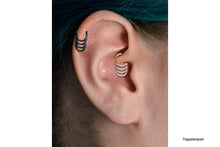Load the image into the gallery viewer, Quadruple 2 Clicker Ring piercinginspiration®