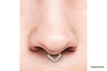 Upload the image to the gallery viewer, Anker Spitz Clicker Ring 7 Kristalle piercinginspiration®