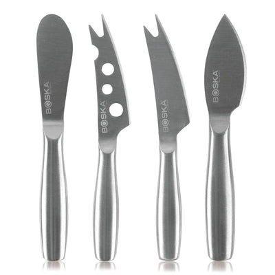 Beautiful 'Cheese Knives' that makes your cheese board worthy. A combination of luxury and elegance in one!