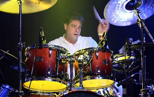 Damon Che at drums