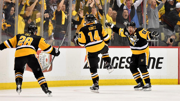 Pittsburgh Penguins scores in NHL, Chris Kunitz scores for Penguins in NHL