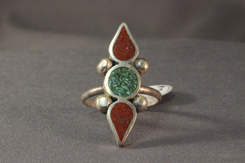 Vintage 1970's Green Turquoise and Red Coral Chip Inlay Ring
