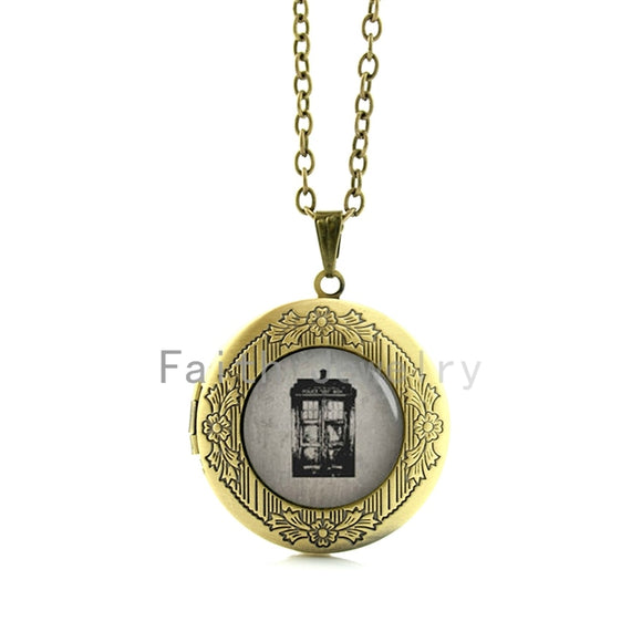 Doctor Who Bronze Colored Tardis Locket