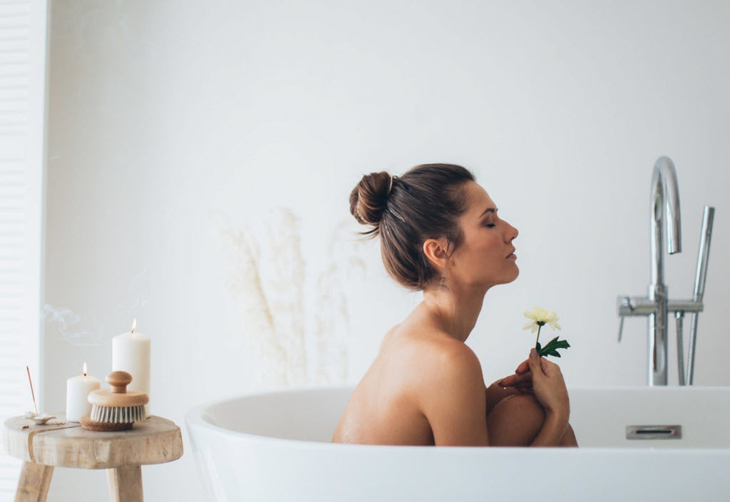 How You Can Boost These Remarkable Benefits of Hot Baths with Essential Oils Sonoma Lavender