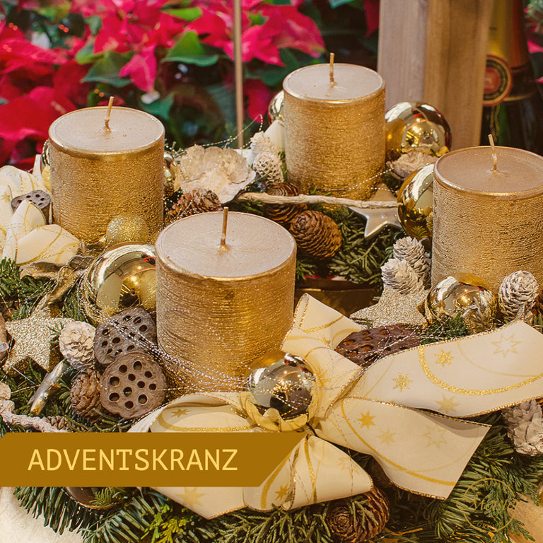 Luxuriöser Adventskranz in Gold