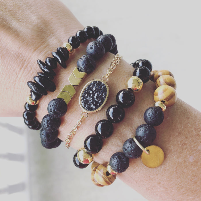 Wooden Diffuser Bead Bracelet in Black and Gold