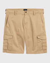 Load image into Gallery viewer, Gant Relaxed Utility Shorts Khaki
