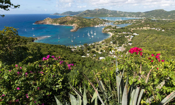 Walking in the Carribean: sun, sea and treks