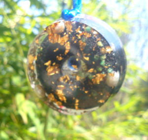 Orgone pendant, saphire, pearls and shungite. - Lightstones Orgone , orgonite, EMF protection, orgone pendants, orgone devices, energy jewelry
