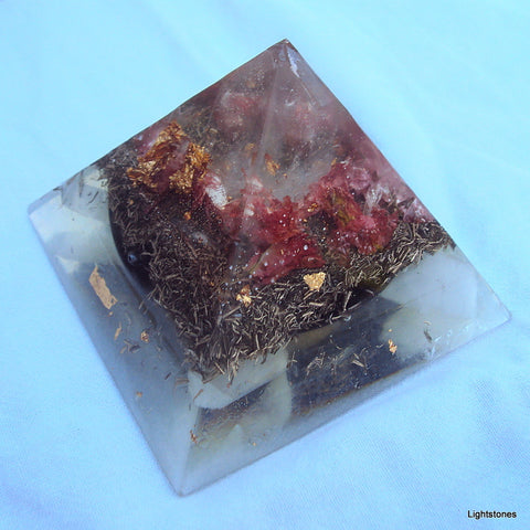 HHG Orgone Pyramid with shungite