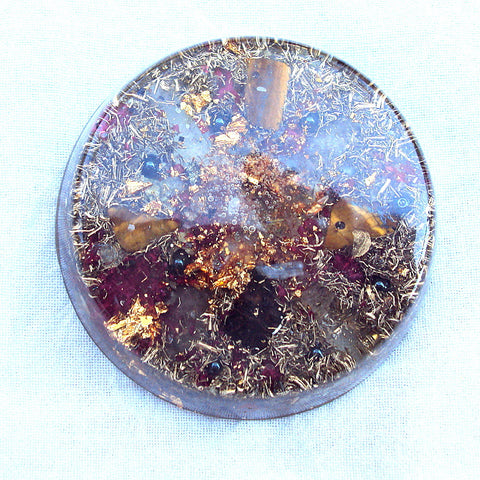 Orgone Travellers Charging Plate, tiger's eye and hematite.