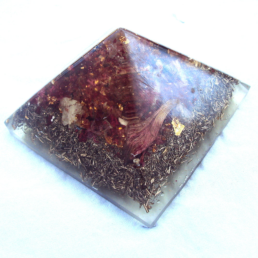 HHG Orgone Pyramid  HHG Orgone Pyramid , herkimmer diamond and shungite - Lightstones Orgone , orgonite, EMF protection, orgone pendants, orgone devices, energy jewelry