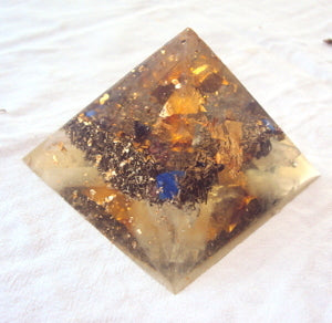HHG Orgone Pyramid with lapis