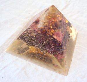 HHG Orgone Pyramid, citrine - Lightstones Orgone , orgonite, EMF protection, orgone pendants, orgone devices, energy jewelry