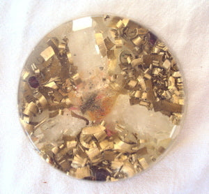 Orgone Travellers Charging Plate, rose quartz and garnet