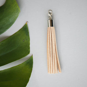 Leather tassel / sand