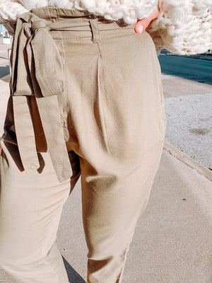 Sand Stand Pant in Olive