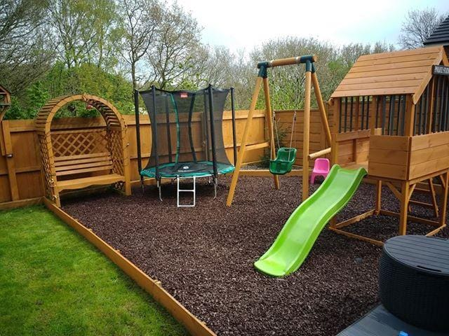 Play Economy Rubber Chippings Brown - Safer Surfacing