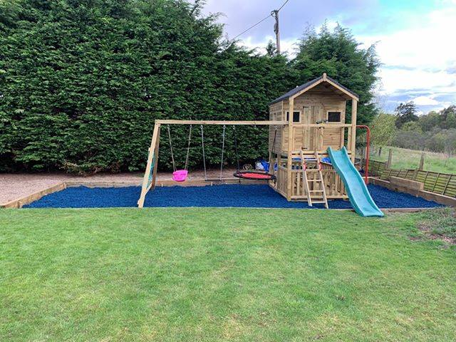 Play Economy Rubber Chippings Blue - Safer Surfacing