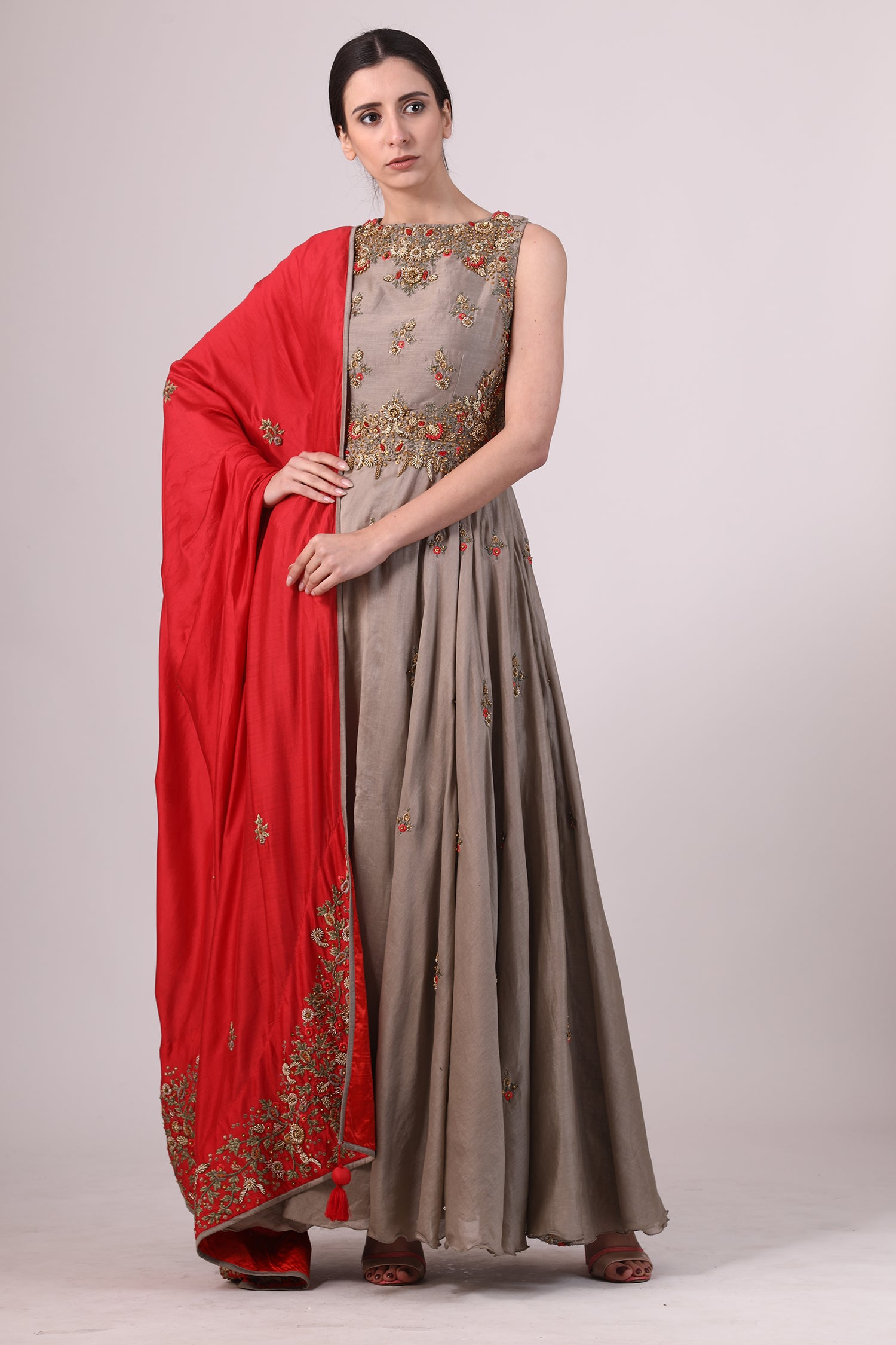 Embriodered Floor-Length Kurta & Dupatta. - The Grand Trunk