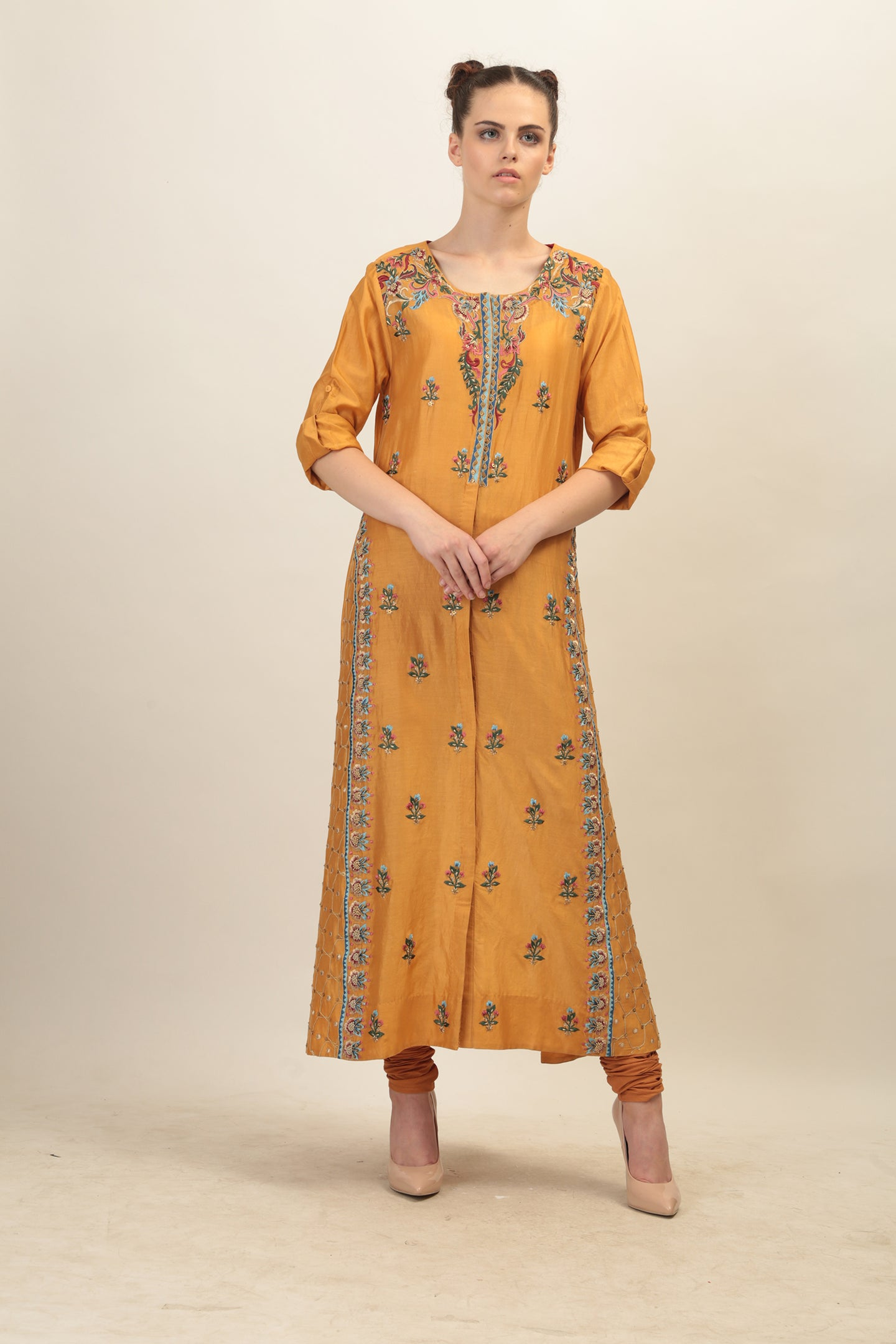 Floral Embroidered Straight Kurta.
