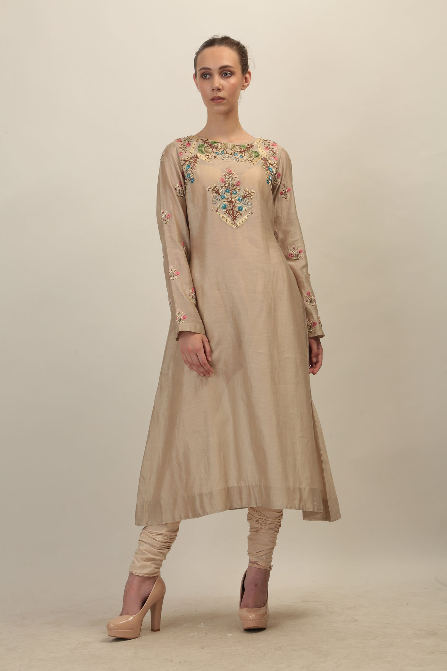 Neck & Sleeves Embroidered Straight Kurta. - The Grand Trunk