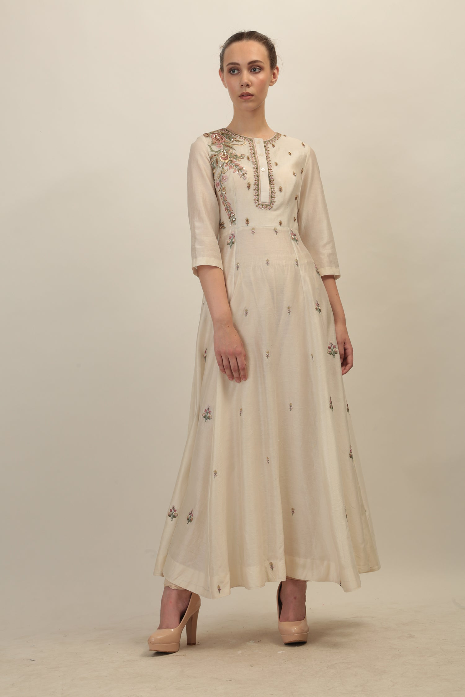 Panelled Embroidered Kurta. - The Grand Trunk