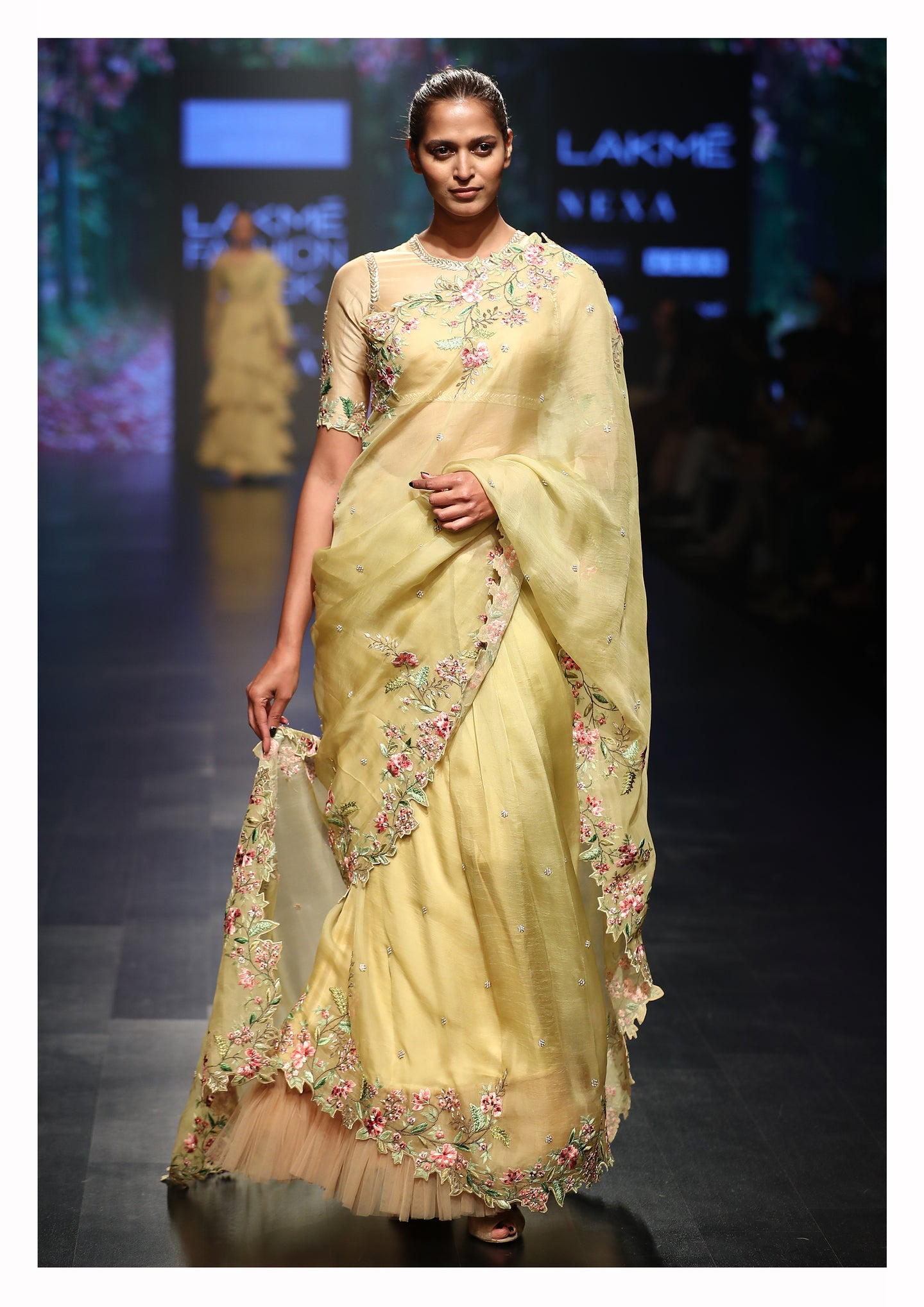 Floral Thread Embroidered Blouse With Saree - The Grand Trunk