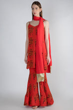Load image into Gallery viewer, RED TROOP PRINT TUNIC & SHARARA WITH RED CRUSH DUPATTA - The Grand Trunk