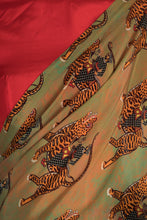Load image into Gallery viewer, MINT SULTAN PRINT SARI WITH RED BLOUSE PIECE - The Grand Trunk