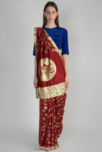 Load image into Gallery viewer, MAROON GULSHAN PRINT SARI WITH GOTA BORDER & BLUE BLOUSE PIECE - The Grand Trunk
