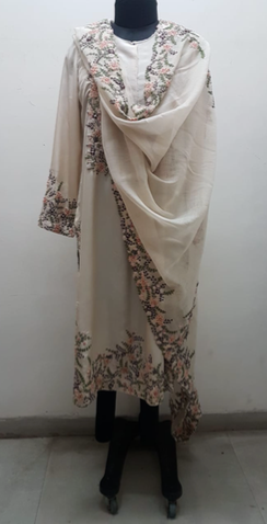 Ivory Silk Floral Embroidered Straight Kurta - The Grand Trunk
